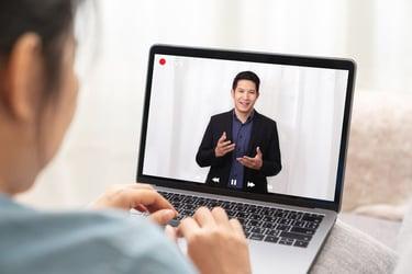 営業職にテレワークを導入するメリット・デメリットを解説