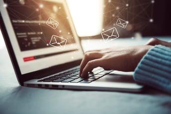 ワークフローシステムでメール業務が楽になる!システム導入のすすめ